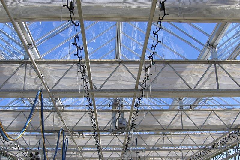 چرا به پرده ذخیره انرژی در گلخانه هوشمند و صنعتی خود نیاز دارید؟